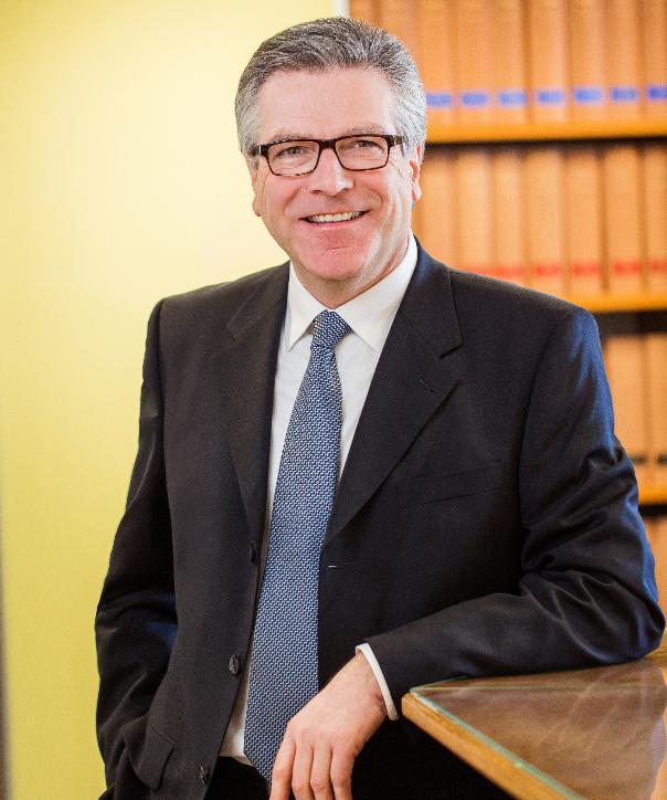 Rechtsanwalt und Notar<br/> Dr. Andreas Salfer