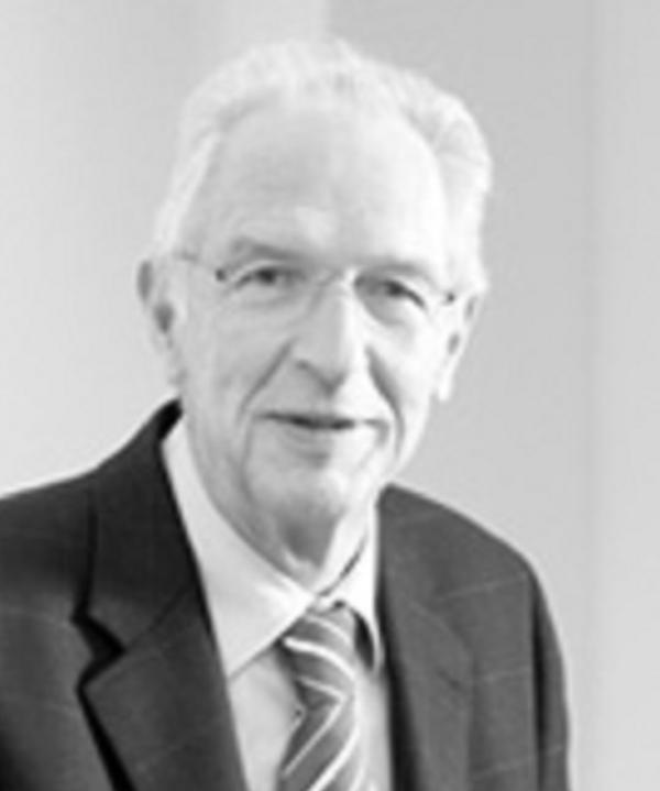 Rechtsanwalt<br/> Dr. Eugen Putzo