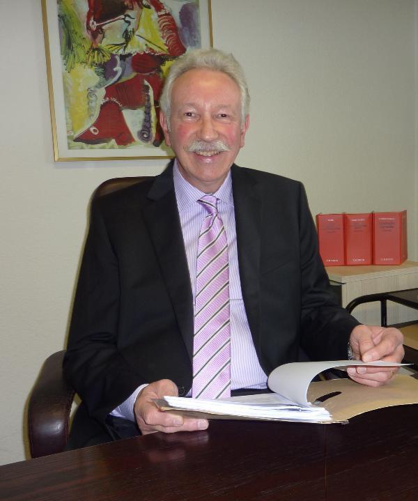 Rechtsanwalt<br/> Bernd Schneider