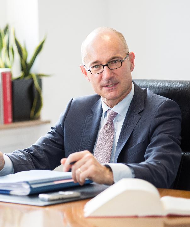 Rechtsanwalt<br/> Dr. Peter J. Knösels