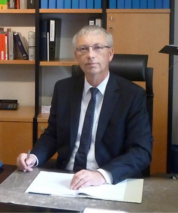 Rechtsanwalt und Notar<br/> Dr. Ulrich Kund