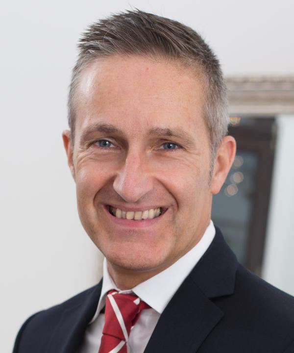 Rechtsanwalt und Notar<br/> Dr. Christian Keller