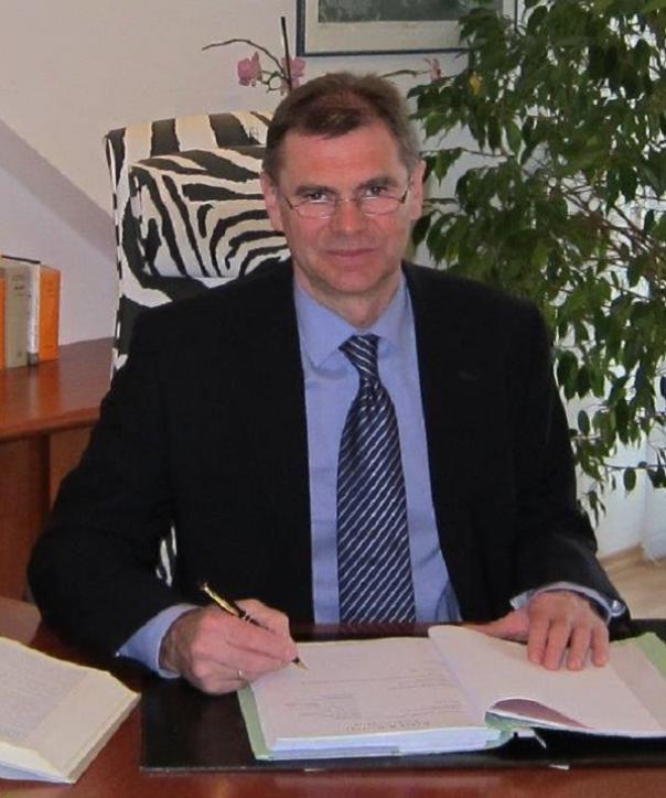 Rechtsanwalt<br/> Helmut Bauer