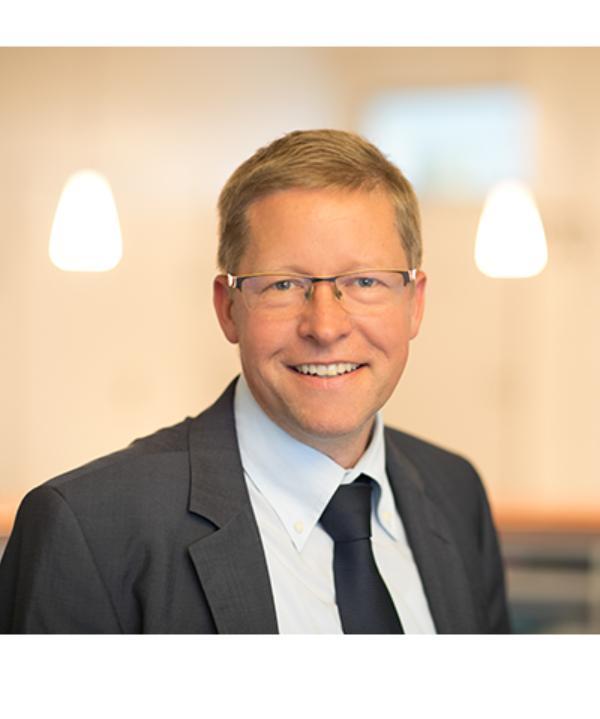 Rechtsanwalt<br/> Ulrich Sennert  * Maitre en droit