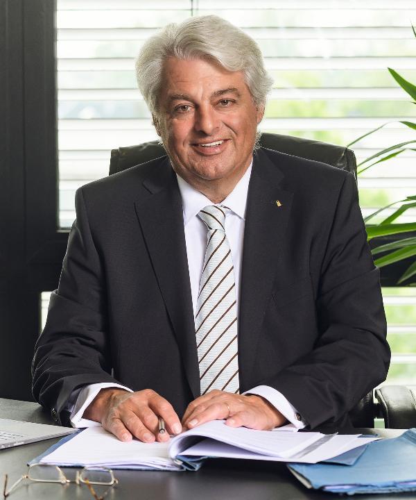 Rechtsanwalt<br/> Peter J. Korthaus