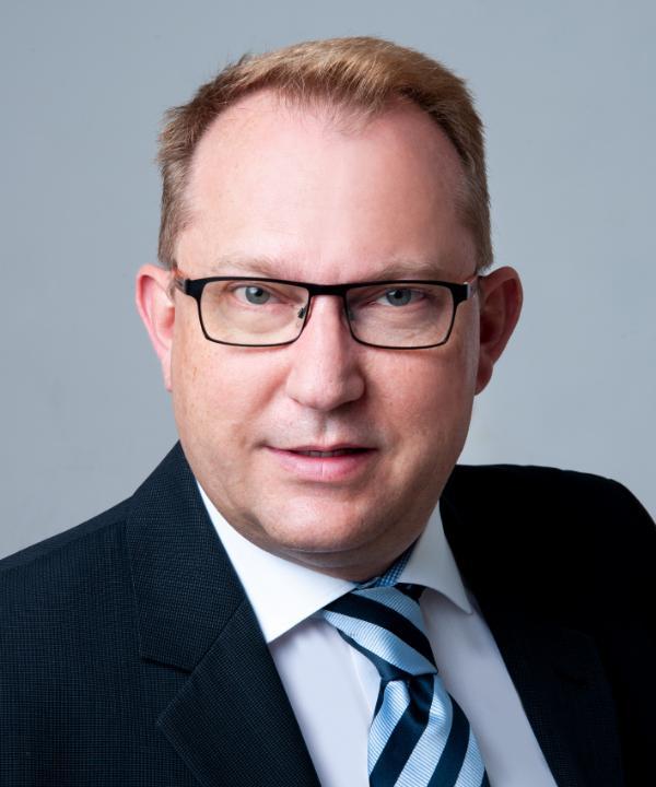 Rechtsanwalt und Notar<br/> Jens Peter Hüser