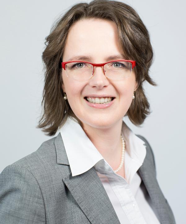 Rechtsanwältin<br/> Silvia Hoffmann-Benz