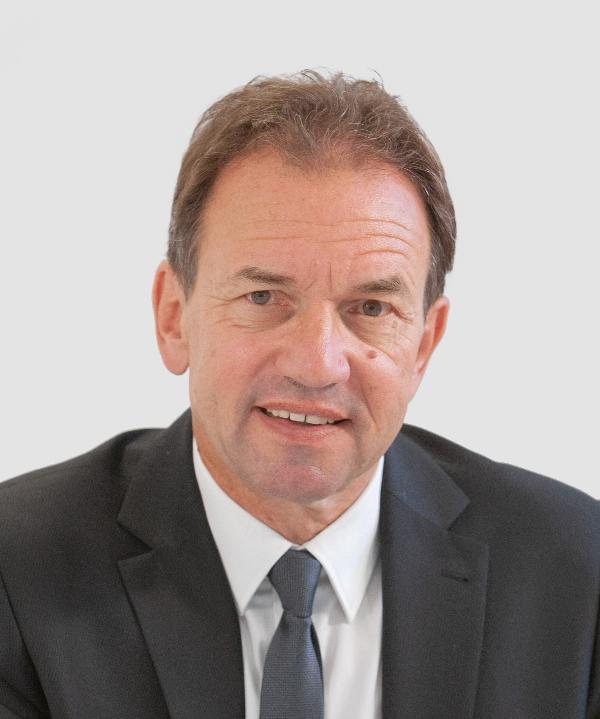 Rechtsanwalt und Mediator<br/> Ulrich Piel in freier Mitarbeit