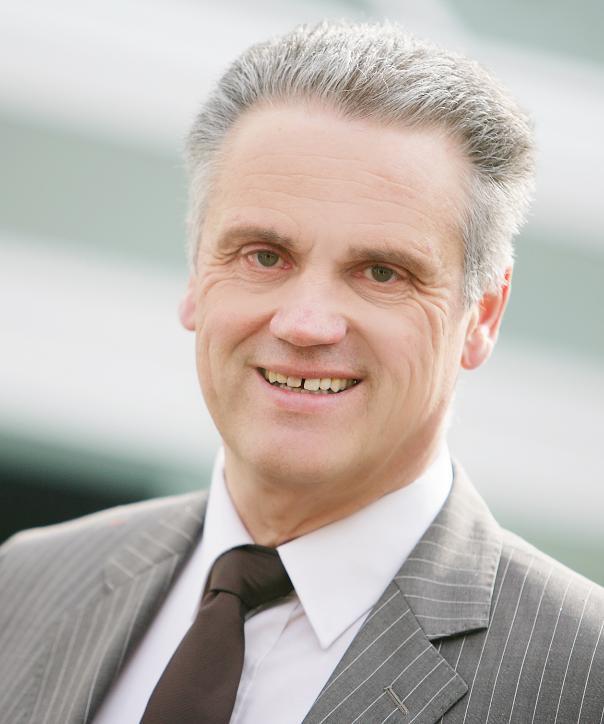 Steuerberater<br/> Christoph Hesener