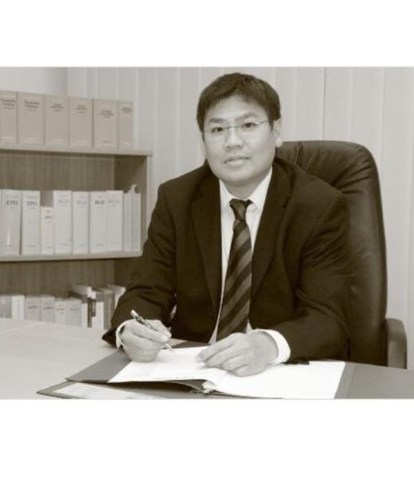Rechtsanwalt<br/> Kim Schäfer