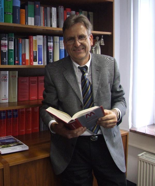 Rechtsanwalt<br/> Roland Wildenhayn in freier Mitarbeit