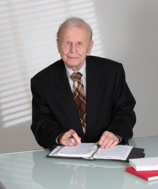 Rechtsanwalt und Steuerberater<br/> Dr. Otto Großmann