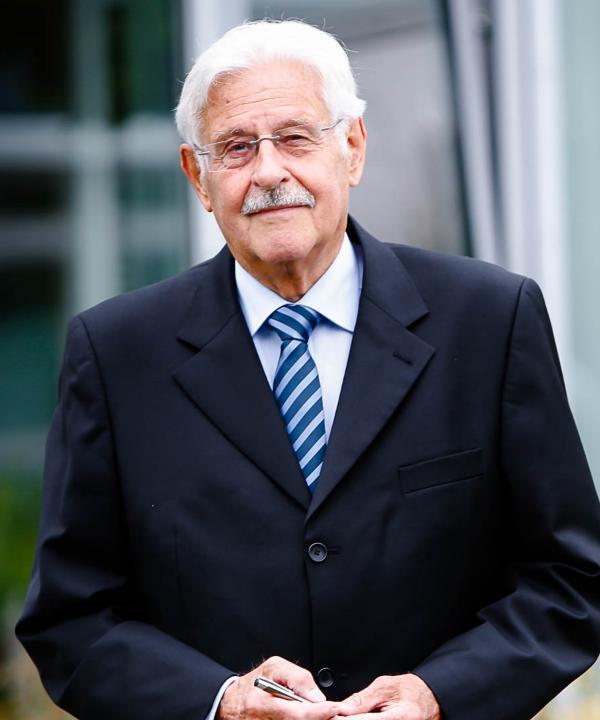 Rechtsanwalt<br/> Dr. Klaus Otter