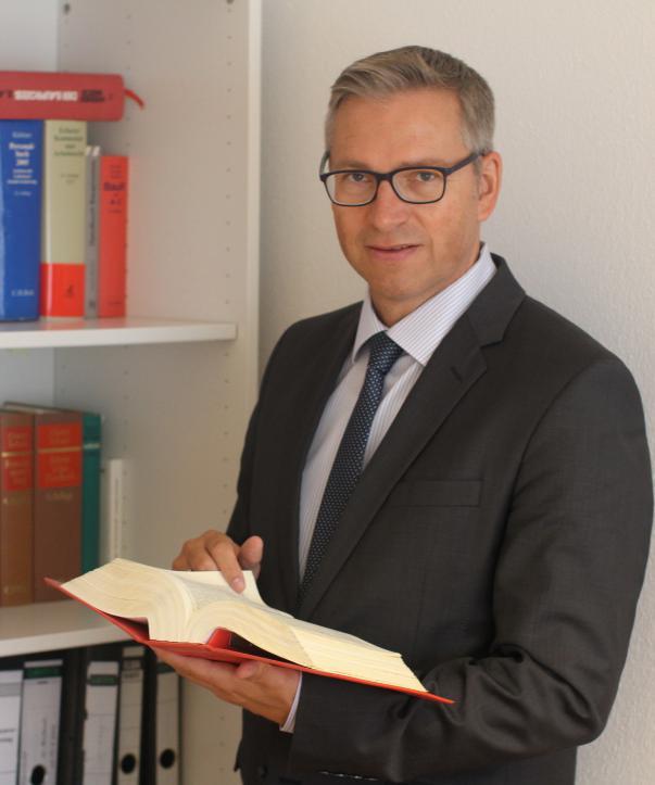 Rechtsanwalt<br/> Rainer Lampe