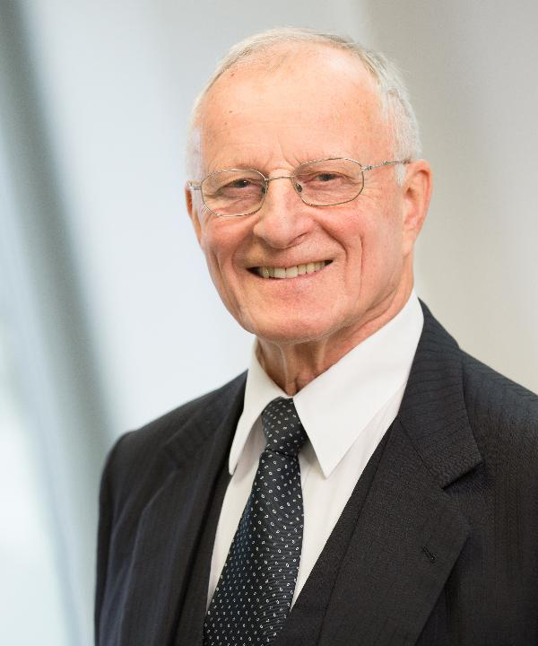 Rechtsanwalt<br/> Hans-Jürgen Pütz