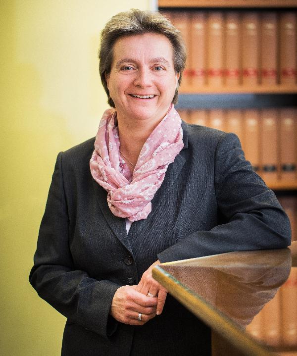 Rechtsanwältin<br/> Angelika van Rooy