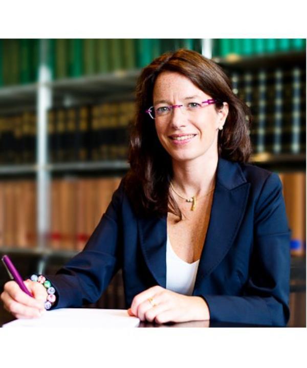 Rechtsanwältin<br/> Dr. jur. Bettina  Luft gen. Plaisier