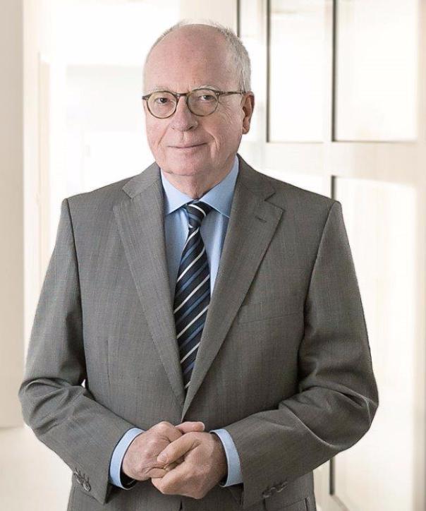 Rechtsanwalt<br/> Dr.  Herbert  Schmidthals