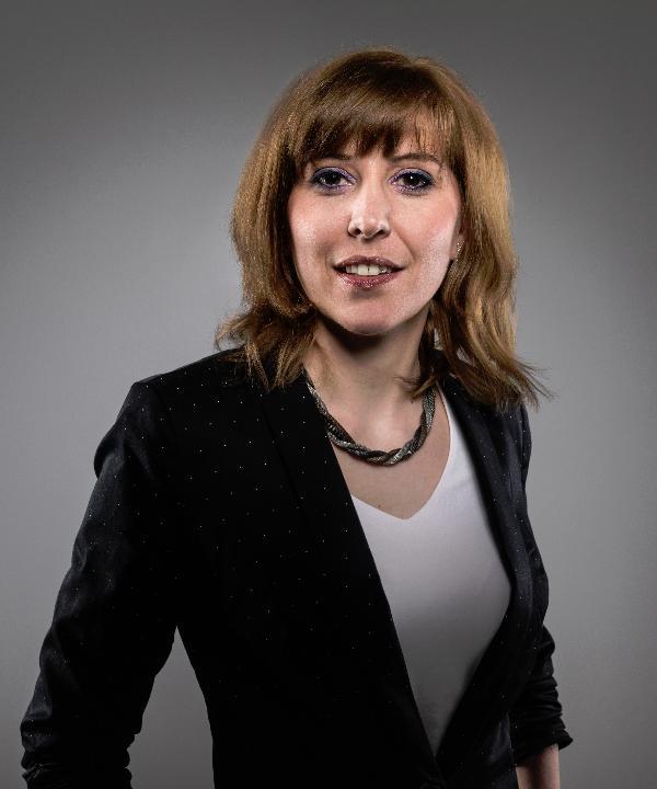 Rechtsanwältin<br/> Miriam Vogel in Anstellung
