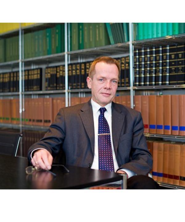 Rechtsanwalt<br/> Ralf-Uwe Adler
