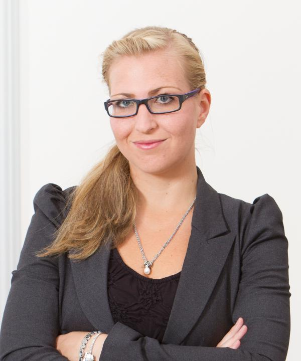 Rechtsanwältin<br/> Karin Mengel
