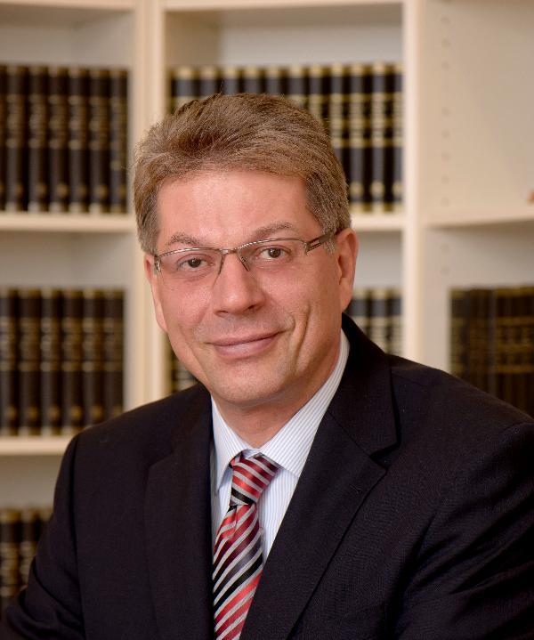 Rechtsanwalt<br/> Helmut Mildenberger