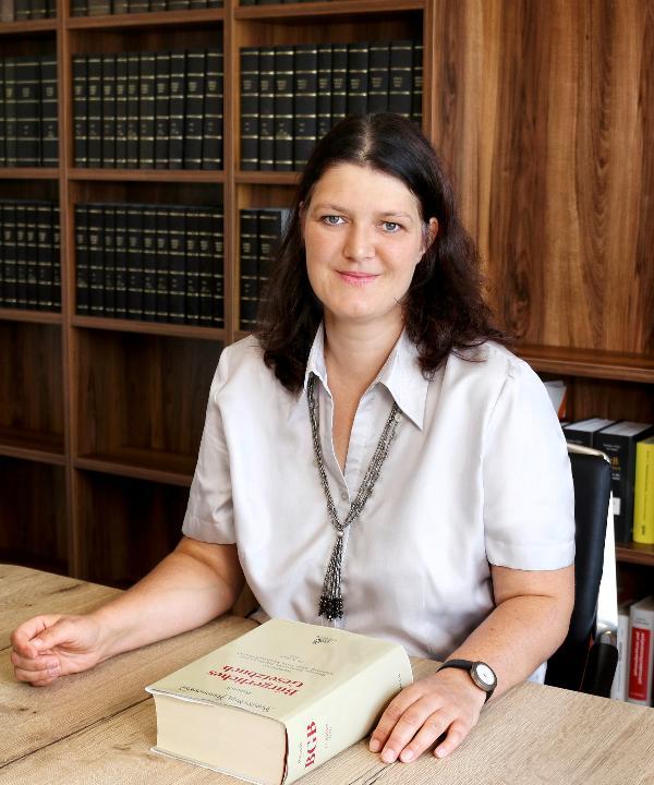 Rechtsanwältin<br/> Esther Burdich-Brand