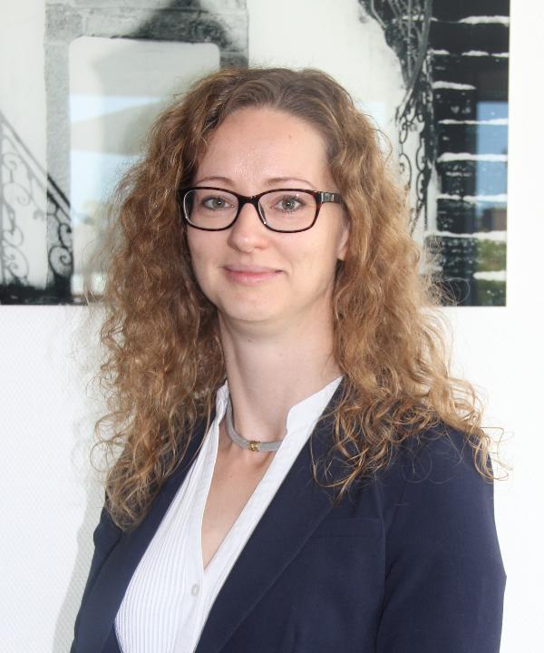 Rechtsanwältin und Notarin<br/> Dr. Kathrin Jansen