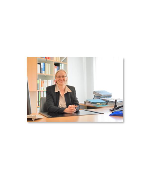 Rechtsanwältin<br/> Mirjam Demel
