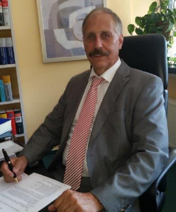 Rechtsanwalt<br/> Bernd Meier
