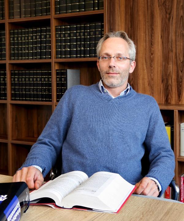 Rechtsanwalt<br/> Tim Grusewski