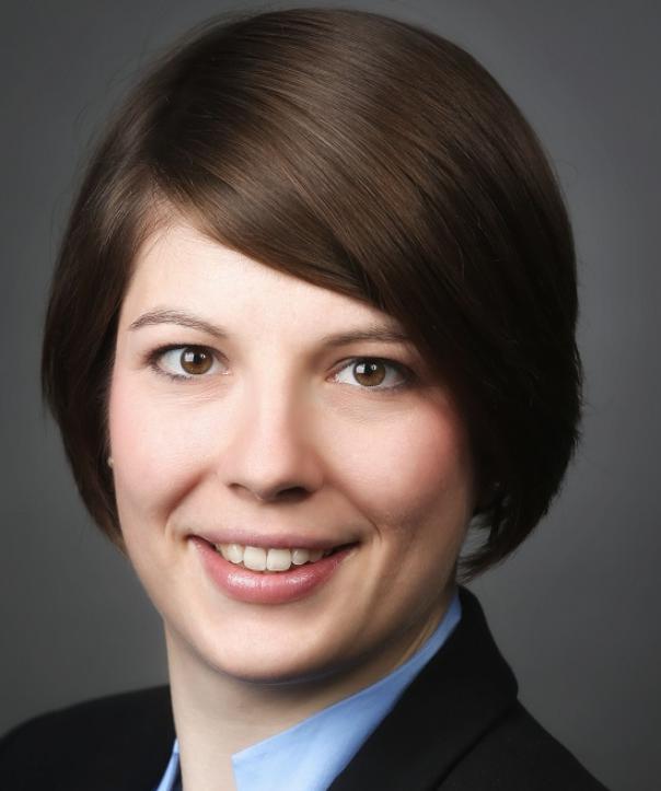 Rechtsanwältin<br/> Josephine Mücke