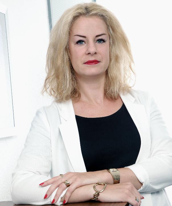 Rechtsanwältin<br/> Nadine Kaus