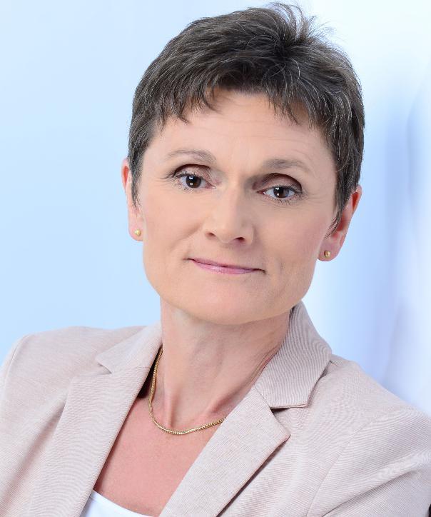 Rechtsanwältin<br/> Regina Kratky in Anstellung