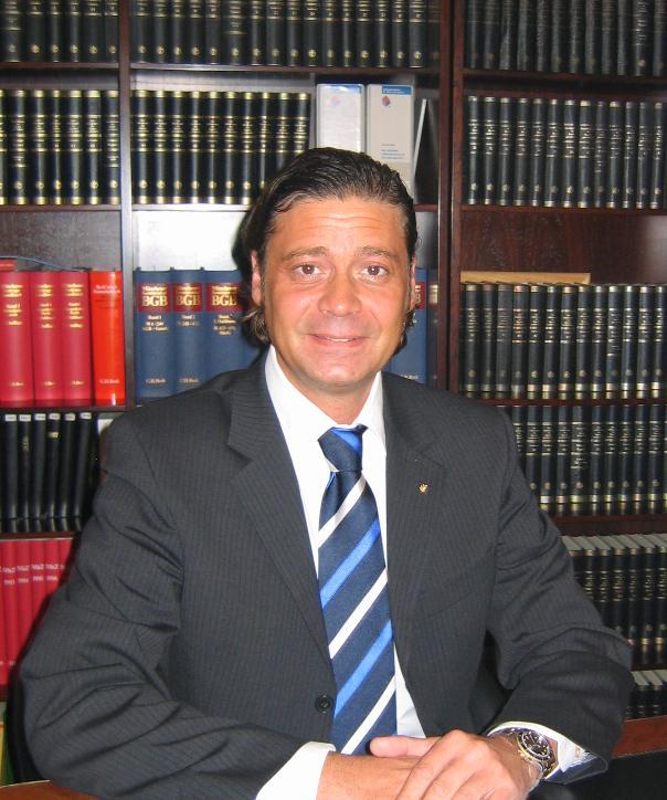 Rechtsanwalt und Notar<br/> Jan Smollich