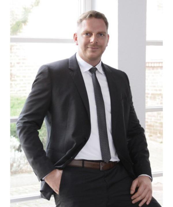 Rechtsanwalt<br/> Henning Rößler