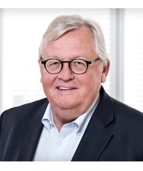 Rechtsanwalt<br/> Dr. Peter Auffermann