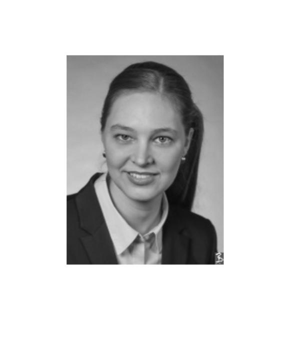 Rechtsanwältin<br/> Natalie Locke