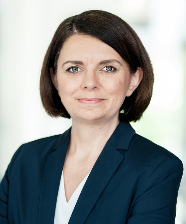 Rechtsanwältin<br/> Madeleine Walther in Anstellung