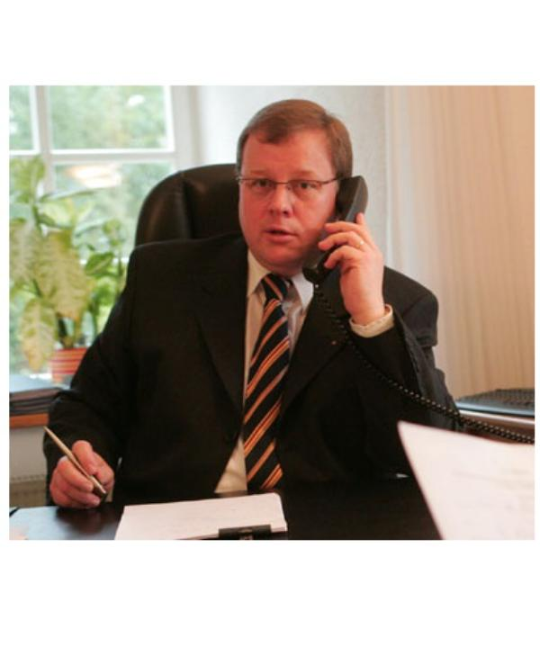 Rechtsanwalt und Notar<br/> Dr. Raimund Lieb