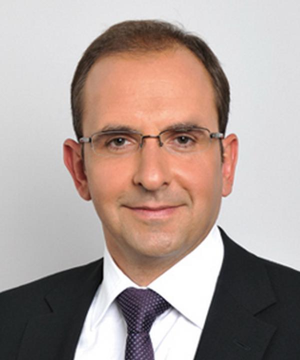 Rechtsanwalt<br/> Eduard Karabelnikov