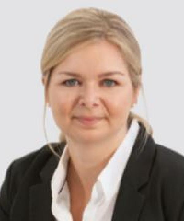 Rechtsanwältin<br/> Nina Girnus
