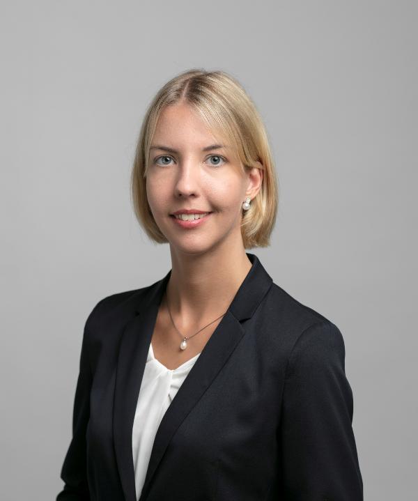 Rechtsanwältin<br/> Simone Zervos