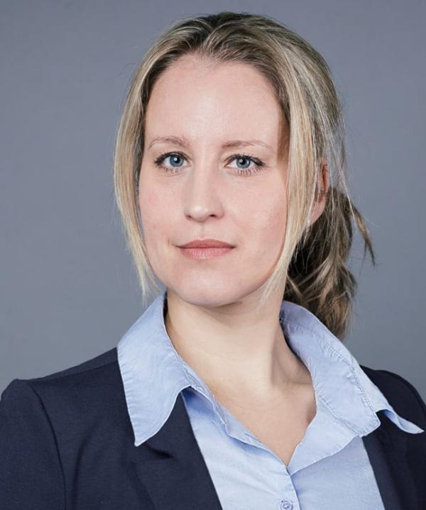 Rechtsanwältin<br/> Julia Gremmelmaier