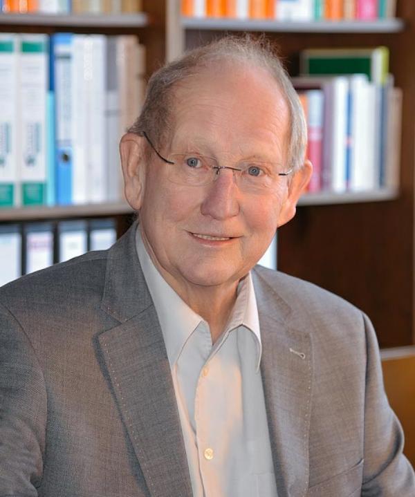 Rechtsanwalt<br/> Notar a.D. Wulf Brettschneider