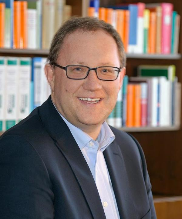 Rechtsanwalt und Notar<br/> Lars Brettschneider