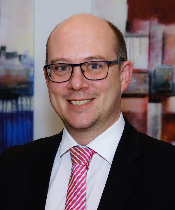 Rechtsanwalt<br/> Tim Henrik Viebahn -Knötig