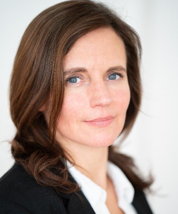 Rechtsanwältin<br/> Verena Scharnweber in Anstellung