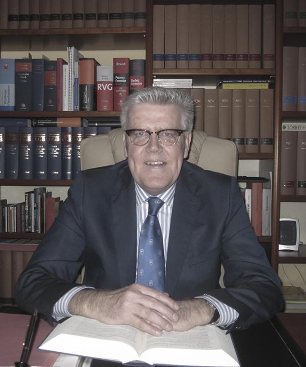 Rechtsanwalt und Notar<br/> Bernhard Stücker
