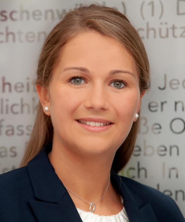 Rechtsanwältin<br/> Julia Wetterkamp